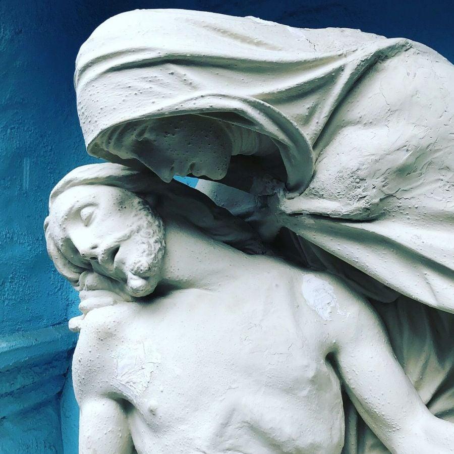 Do Catholics Worship Statues? | Catholic Answers